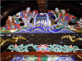 奥殿-北面・唐破風下の太鼓羽目彫刻
